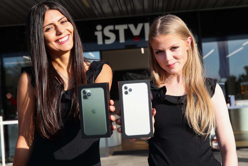 Apple iPhone 11, iPhone 11 Pro in Apple Watch